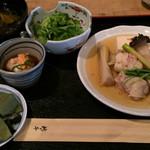 37609730 - 今日の日替わり:鶏もも肉と春野菜の煮物