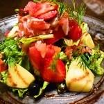 ファッティーズ - 2015/May フルーツトマトとズワイガニ、モッツァレラのサラダ