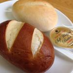 腸詰屋 - セットのパン