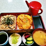 増屋 そば店 - カツ丼弁当