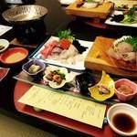 セイコーグランドホテル - 料理写真:新鮮魚介を中心に地元の厳選素材も!