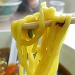 珍来軒 - 平打ちの太麺