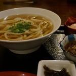 麺豪 のざき - 料理写真:かけうどん あつあつ500円にトッピング牛肉200円と温泉玉子150円