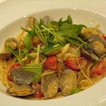 3762487 - 白身魚とアサリのスパゲッティ アンチョビクリームソース