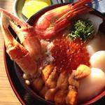 37620013 - 海鮮ノシャップ岬丼。 2000円。