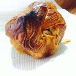 パンやきどころ RIKI - 焦がしバタークルミ ¥200+税