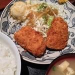 経堂らかん茶屋 - メンチ定食680円 Aug, 14