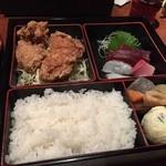 経堂らかん茶屋 - 幕の内弁当B 刺身と鳥の唐揚げ800円 Apr, 15
