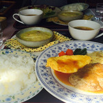 レストラン喫茶・きの字 - 料理写真:手前がヤングランチ、奥がレディースランチ
