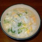 播州地鶏焼鳥 元気 - こんな感じでお茶碗によそって食べました。あんなに食べて飲んだのにバクバクって完食してしまいました。