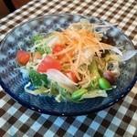 SYNC - ランチのサラダ