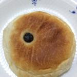 ブランジェリー・プチ・ブレ - レーズンとクリームチーズのパン