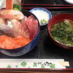 食事処 魚屋の台所 - イクラ抜き海鮮丼