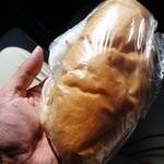 福田パン - 相変わらずどっしり。