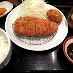 とんかつキッチンかつ茂 - 味噌だれロースカツ定食!