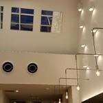 ツクモ ハーバーテラス - 天井に鏡があって海が写し出され素敵です。