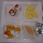 37642418 - 杏仁豆腐とケーキ、フルーツ