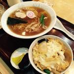 三平食堂 - ラーメンミニ親子丼セット!750