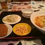 37643460 - 天津丼定食(丼の奥にスープあり)