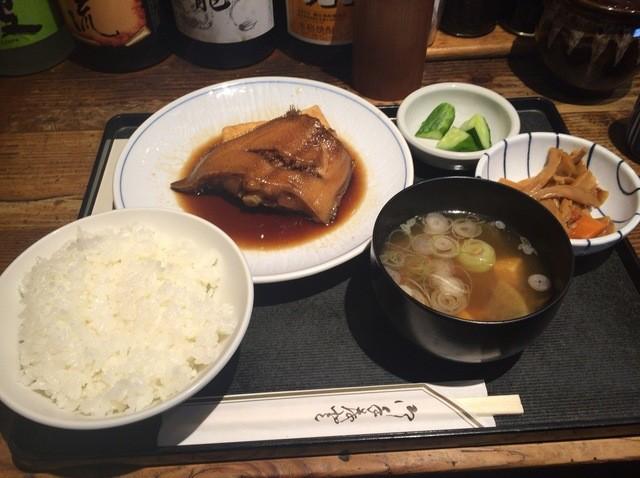 ほの字 渋谷店 - 魚定食(かれいの煮付け)