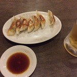 美美 - 餃子と生ビール