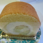 ペストリーブティック - 下川端町3-2ロール432円、ホテルの住所が商品名になったロールケーキです。