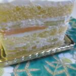 ペストリーブティック - 2種類の色の違うメロンを使用したショートニングケーキです。