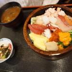 くるま寿し - 海鮮丼1300円