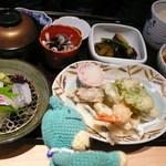 37651915 - 季節感満載の天ぷらよ。