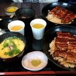 37657107 - うな丼 1600円 私はスッポンスープ(+100円)に変更
