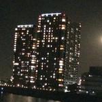 37657586 - 六郷橋から見える色とりどりのマンション