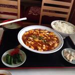 東京飯店 - 麻婆豆腐定食。