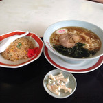 東京飯店 - 料理写真:ラーメンセット。