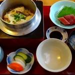 紙ふうせん - 料理写真:鯛釜めし