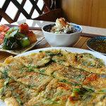 韓屋台 李俊 - 「チヂミ」旬の野菜を使用したいろいろな種類があります♪
