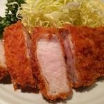 もち豚とんかつ たいよう - ロースカツ定食(1650円)