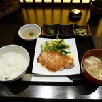 豚しゃぶしゃぶ・炭火焼 座和めき - 三元豚ロースステーキ¥1080
