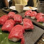 37664549 - 肉の寿司だぁ!