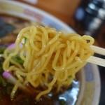 けんちゃん - 2015.05 麺も昔ながらのちぢれ麺、柔らかめです。