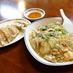 中華料理 満来軒 - 2014年4月 中華飯と餃子