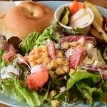 オールウェイズカフェ - サラダ&ベーグル(生ハムチーズ)