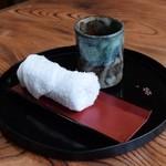 秘伝越前流手うちそば 池田のそば すいこう - お茶とおしぼり