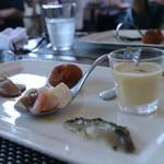 """Le 4 Stagioni Italiane """"IL PARCO"""" - とうもろこしと椎茸のスープ、すずきのカルパッチョ、鴨肉"""