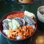 寿し処かきた - 料理写真:3色丼