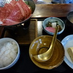 37686201 - 夫は牛すき鍋定食を。