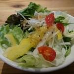 ティ・コ・ラッテ・ネヤガワ - ランチサラダ しっかりしてます