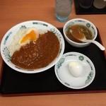日高屋 - 温玉うまから丼500円、カレーなのか麻婆味なのかいずれにしても汗は必至。