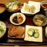 Genki-Dining 八百屋 - 八百屋御膳(1)小鉢7品、ご飯、味噌汁、ぬか漬け