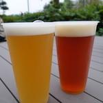 松江堀川地ビール館 特産品館 地ビールカウンター - 2015.05 生ビール(左から、ヴァイツェン、ペールエール)