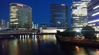 バベル ベイサイド キッチン - 店から望む横浜の夜景